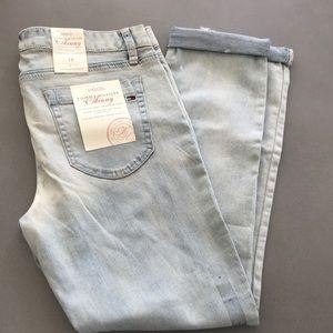 efe8aa9a Women's Tommy Hilfiger Slim Jeans on Poshmark
